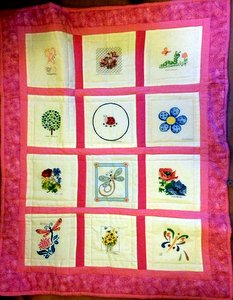 Photo of Flowers and Bugs's quilt